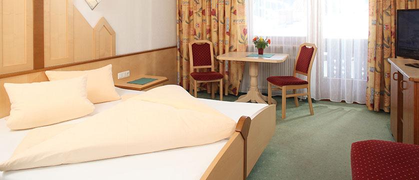 Austria_Ischgl_Hotel_Binta_bedroom.jpg
